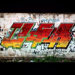 Grafiti de Loogia en la Escuela Dardo Rocha